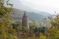 河南,中国- 2015年11月03日:Songyue塔(联合国科教文组织世界Heritag 库存图片