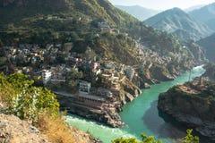 河和城市 库存图片