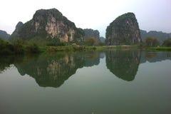 河和山,广西中国 库存照片