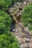 河和岩石 免版税库存图片