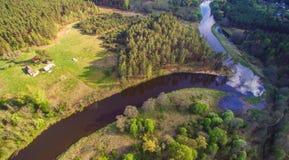 河和森林天线 免版税库存照片