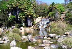 河和瀑布的美丽的景色 库存图片