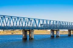 河和铁路 图库摄影