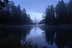 河在秋天 免版税库存图片