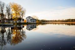 河在秋天 免版税图库摄影