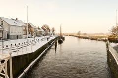 河在老镇里伯,丹麦 免版税图库摄影