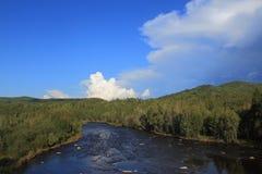 河在这个世界的原野 库存图片