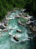 河在阿尔卑斯 免版税图库摄影