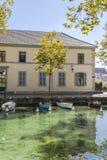 河在阿讷西 免版税库存图片