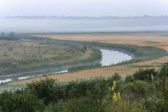 河在黎明 免版税库存图片
