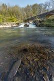 河在bideford和torrington之间的Torridge测流堰 库存照片