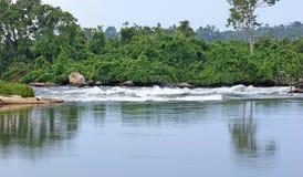 河在Jinja附近的尼罗风景在非洲 图库摄影