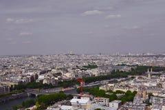 河塞纳河和看法在从艾菲尔铁塔的市中心,巴黎,法国 免版税图库摄影
