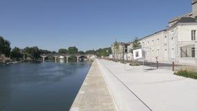 河塞纳河的堤防在巴黎-轩尼诗科涅克白兰地议院JA HENNESY 巴黎 法国 股票录像