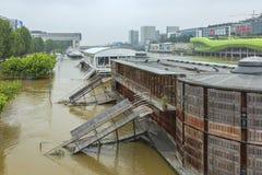 河塞纳河洪水在巴黎 库存图片