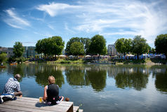 河多瑙河和Neu在节日期间的乌尔姆河岸  库存图片