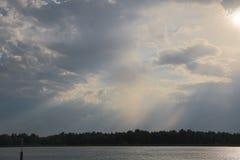 河天空和云彩 库存照片
