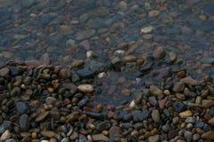河小卵石 免版税图库摄影