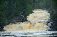 河小瀑布 库存照片