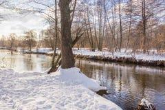 河小的冬天 库存图片