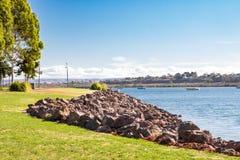 河岸在奥古斯塔港 库存图片