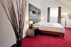 河床卧室双旅馆豪华 库存照片