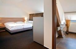 河床卧室双旅馆豪华 库存图片