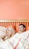 河床夫妇休眠年轻人 免版税库存照片