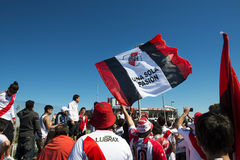 河床队支持者在布宜诺斯艾利斯,阿根廷 库存图片