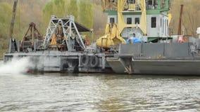 河拖曳小船 影视素材