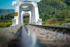 河桥梁铁路 免版税图库摄影