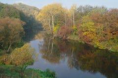 河横向。 库存图片
