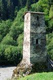 河沿格鲁吉亚石防御塔 库存照片
