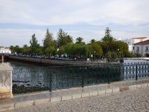 河沿从事园艺Tavira 库存照片