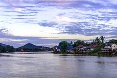 河泰国样式风景房子 图库摄影