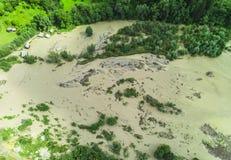 河洪水到湖里 库存图片