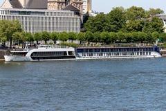 河游轮AmaWaterways AMASTELLA在科隆,德国 免版税库存照片