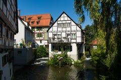 河的小德国村庄阳台在乌尔姆 图库摄影