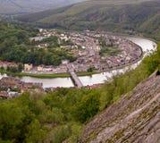 河的循环的村庄 免版税库存照片