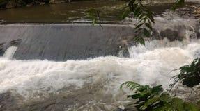 河的流动的水 免版税库存图片