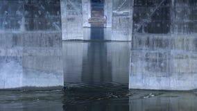 河的流程在桥梁,具体支持工业桥梁下  影视素材