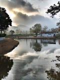 从河的看法和平的 免版税库存照片