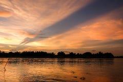 河的金黄辉煌 免版税库存图片
