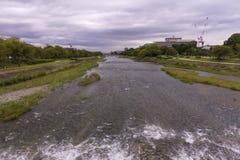 河简单的风景在京都日本 库存图片