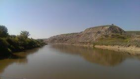 河视图在Drumheller 免版税库存图片