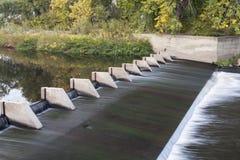 河转换水坝 库存照片