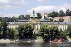 从河边的布拉格 免版税图库摄影