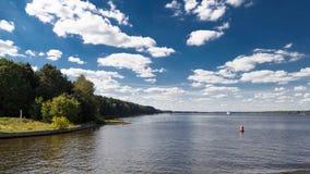 河风景在夏天 免版税图库摄影