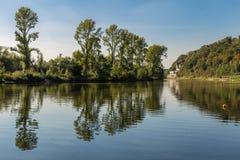 河鲁尔的河岸在Muelheim,德国附近的 免版税图库摄影