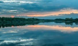 河,ozerna,ruza,衰落,晚上,日落 库存照片